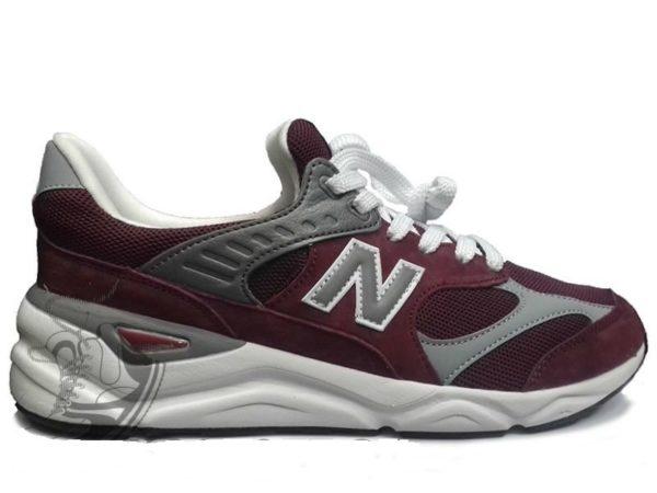 Красные кроссовки New Balance