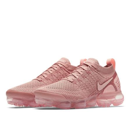 Розовые кроссовки Nike